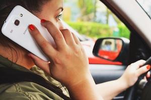 vrouwen in de auto