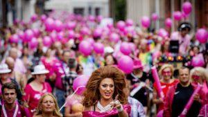 Roze maandag op Tilburgse kermis